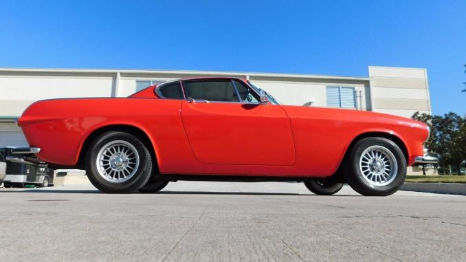 red classic 1971 volvo p1800e i4 for sale by dealer in houston texas. Black Bedroom Furniture Sets. Home Design Ideas